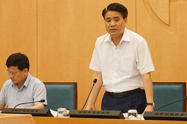 Chu tich Nguyen Duc Chung: Ha Noi tam dung quan bar, karaoke, tra da via he