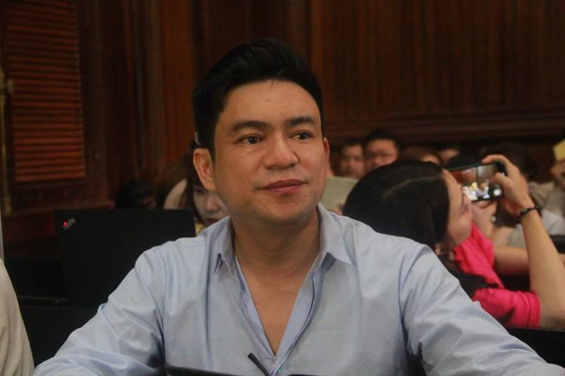 Vo cu BS Chiem Quoc Thai noi ve viec thue giang ho chem chong the nao?-Hinh-2