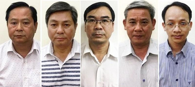 Xu cuu Pho chu tich TP HCM Nguyen Huu Tin: Trieu tap hang loat so, nganh