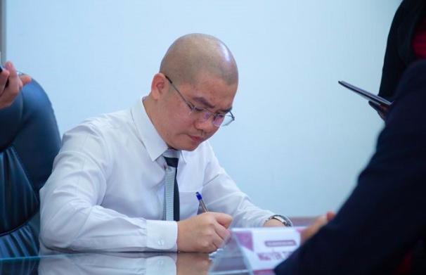Bat giam 13 thuoc cap tiep tay cho CEO Alibaba Nguyen Thai Luyen
