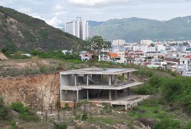 Di tich lau Bao Dai o Nha Trang bi