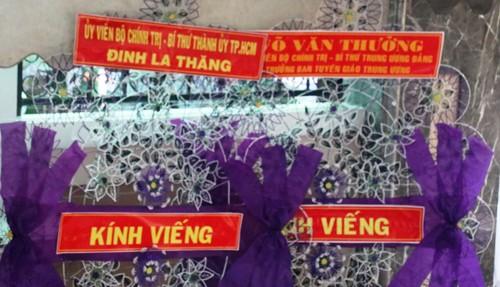 Nghe si Viet den tien biet NSND Thanh Tong