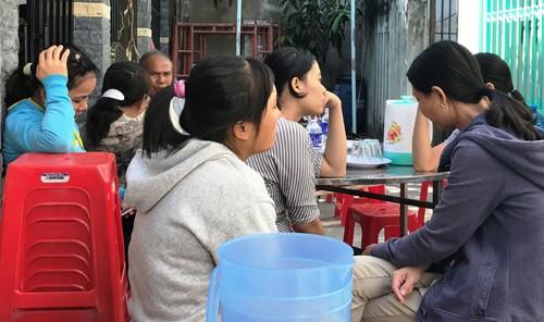 Nuoc mat dau xot vu xe khach gay tai nan kinh hoang o Binh Duong-Hinh-2