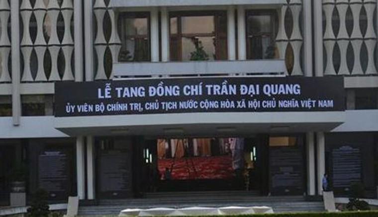 TP HCM: Nhieu co quan, don vi treo co ru chuan bi Quoc tang Chu tich nuoc-Hinh-2