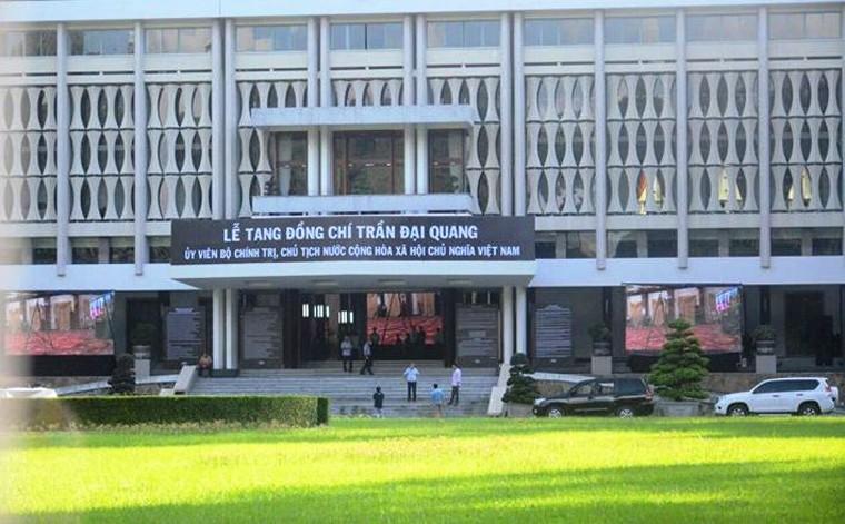 TP HCM: Nhieu co quan, don vi treo co ru chuan bi Quoc tang Chu tich nuoc