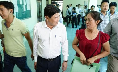 Nguoi dan Thu Thiem cho gap Chu tich TPHCM tu mo sang