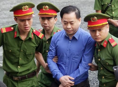 """Xet xu dai an Dong A Bank: Chieu nay Vu """"nhom"""" khong den toa"""