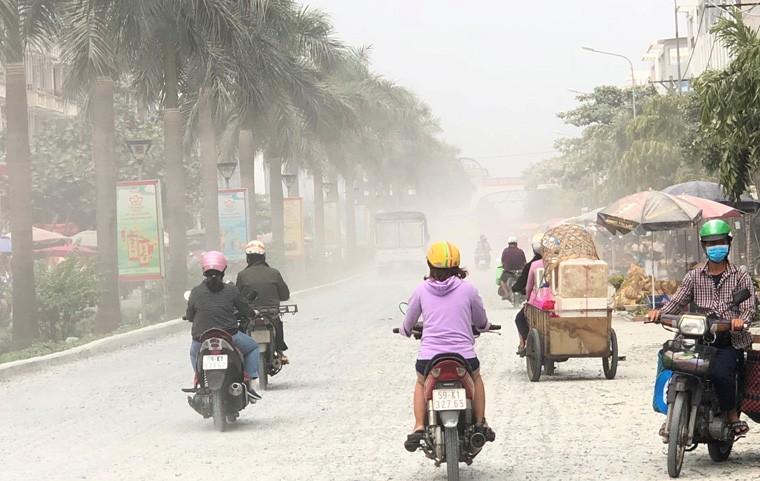 """Canh kinh hoang o duong den """"Cho Hoa xuan"""" dau moi Binh Dien-Hinh-3"""