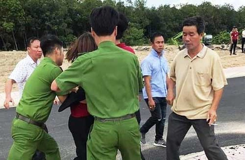 Xuc pham CA xa, Chu tich HDQT Alibaba bi dieu tra-Hinh-2