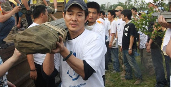 Ly Lien Kiet nuot 54 trieu USD tien tu thien de duong gia-Hinh-3