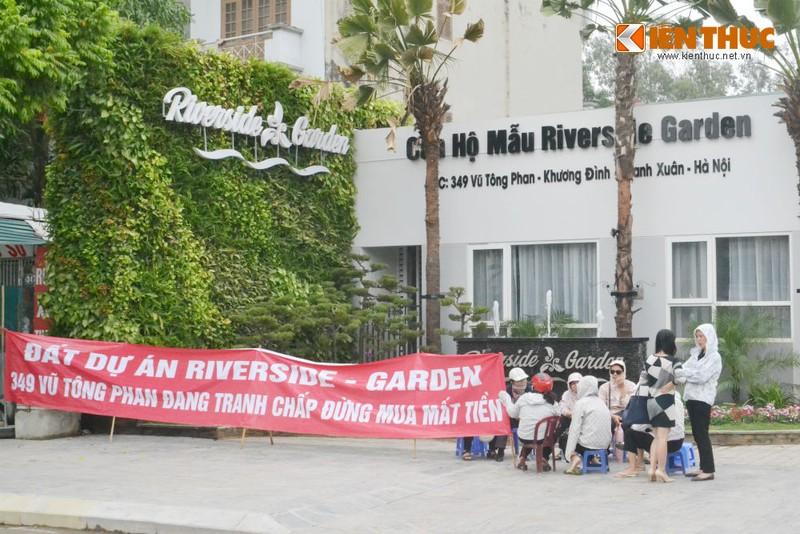 "Chung cu Riverside Garden Vu Tong Phan: ""Dat tranh chap, dung mua mat tien""!"