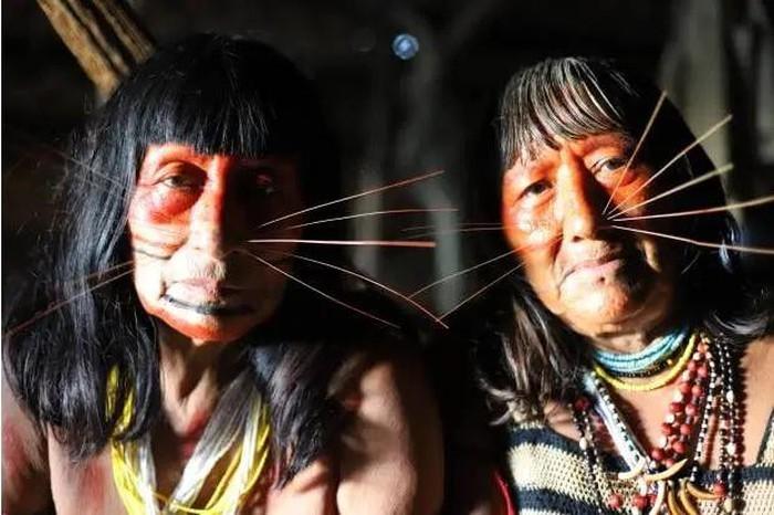 "Ben trong bo lac tung an thit nguoi than de ""hut linh hon"" o Peru-Hinh-3"