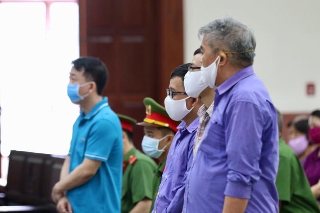 Nghi an keo dai vu VN Pharma buon ban thuoc ung thu gia
