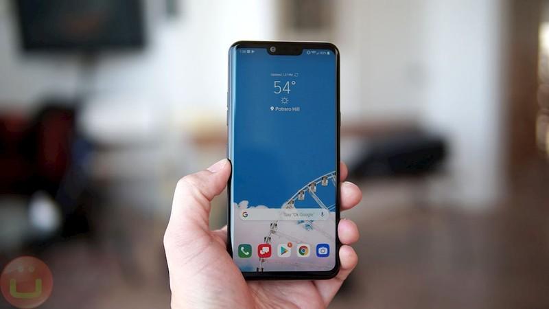 4 smartphone loi thoi nhung van