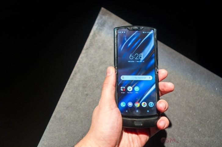 Motorola Razr se giam gia 500 USD cho don hang truoc ngay 21/6