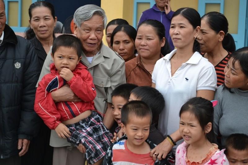 Nguoi dan lang Rong thuong nho bac Phieu!
