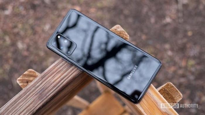 """Nhung """"de"""" chinh hang co gia tot, dang mua truoc khi iPhone 12 ra mat-Hinh-5"""