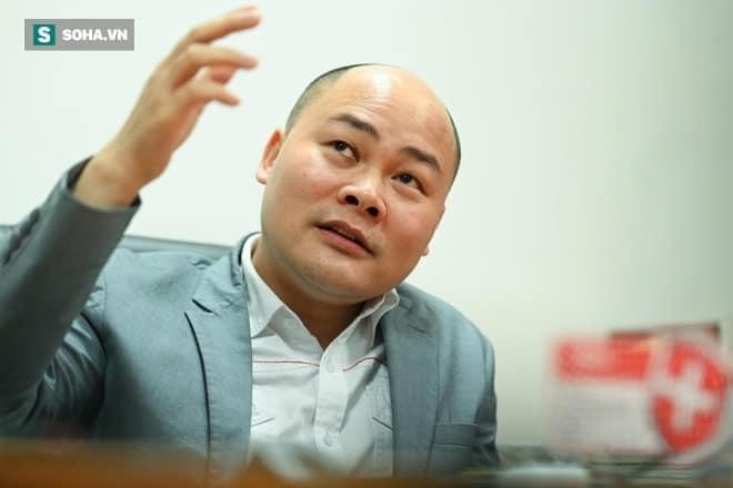 """CEO Nguyen Tu Quang: Khong nhuong danh hieu """"no"""" cho bau Duc"""