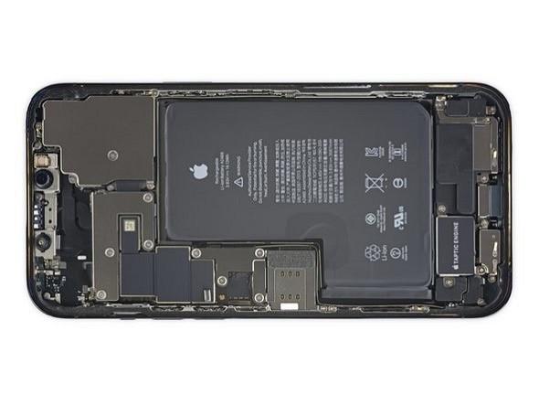 """Boc iPhone 12 Pro Max tan thay cam bien """"khung"""" trong camera"""