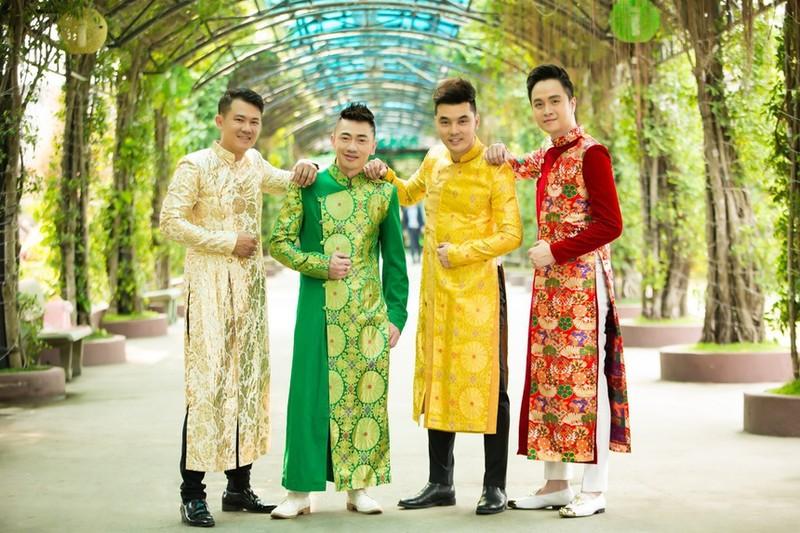 Ung Hoang Phuc: Anh Van Quang Long vat va muu sinh o My-Hinh-2