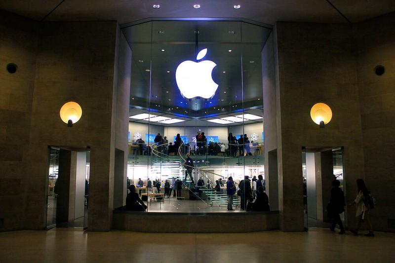 Apple tiep tuc bi kien vi... lam cham iPhone cu-Hinh-2