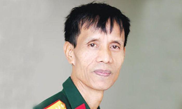 Nha van Nguyen Quoc Trung va Le Thanh Chon qua doi