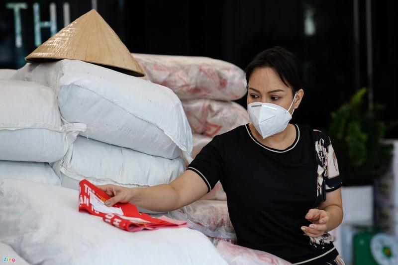 Viet Huong xin loi khi phat nham gao moc