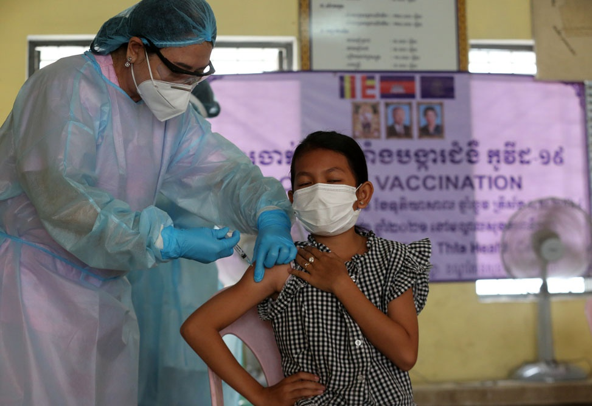 Nuoc Dong Nam A dau tien tiem vaccine Covid-19 cho tre em 6-12 tuoi-Hinh-11