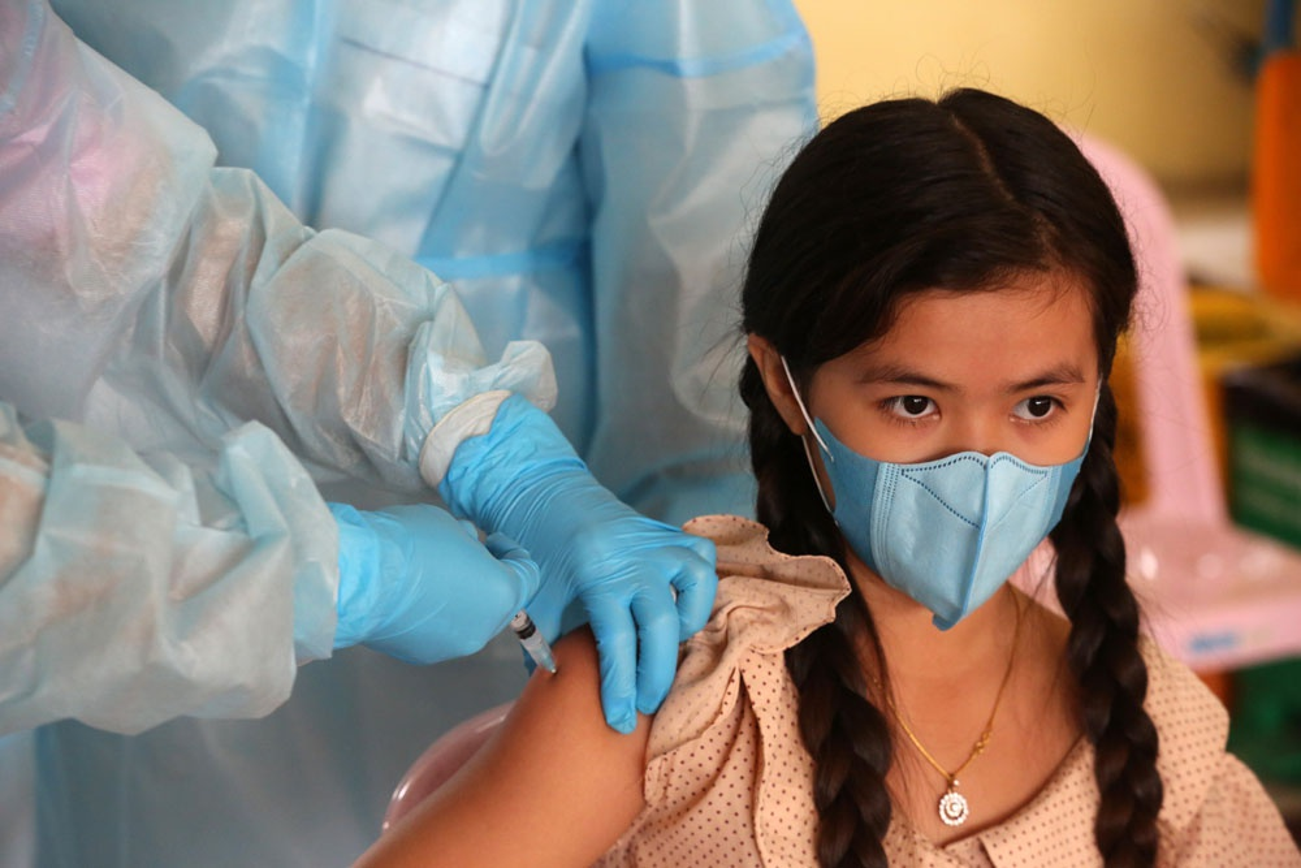 Nuoc Dong Nam A dau tien tiem vaccine Covid-19 cho tre em 6-12 tuoi-Hinh-4