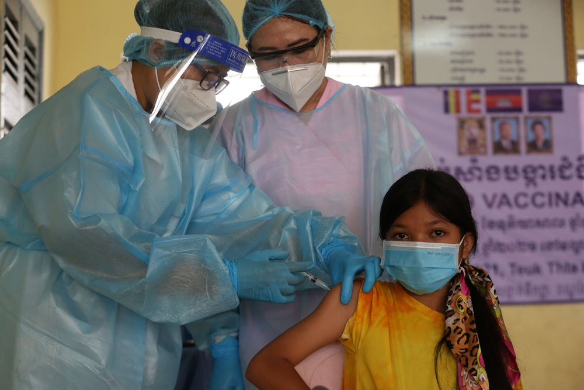 Nuoc Dong Nam A dau tien tiem vaccine Covid-19 cho tre em 6-12 tuoi-Hinh-7