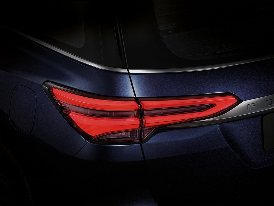 Toyota Fortuner 2021 chinh hang bao gio se co mat tai Viet Nam?-Hinh-5
