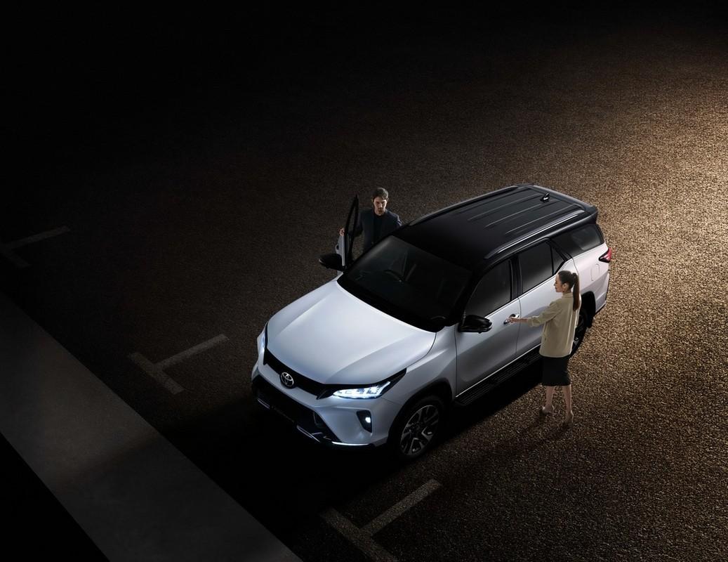 Toyota Fortuner 2021 chinh hang bao gio se co mat tai Viet Nam?-Hinh-7