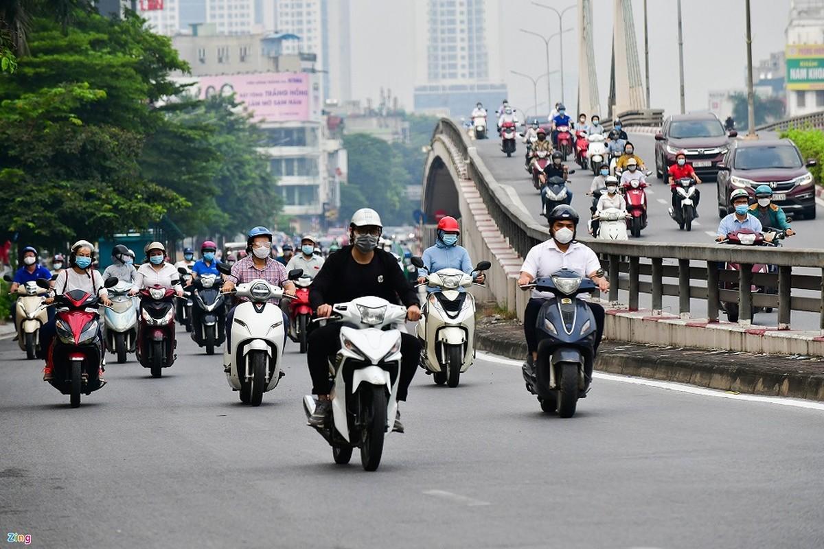 Duong Ha Noi lai dong duc xe co nhu chua he co COVID-19-Hinh-13