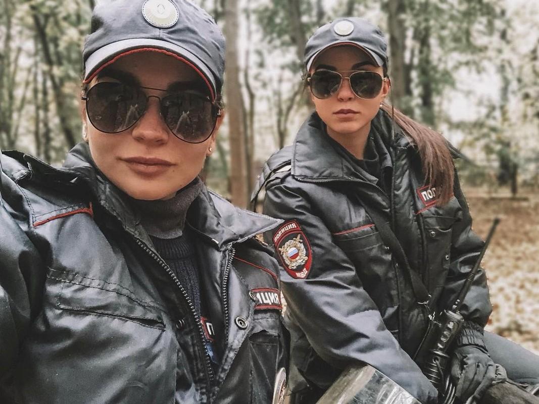 Hoa khoi canh sat Nga co tai nang cuoi ngua-Hinh-6