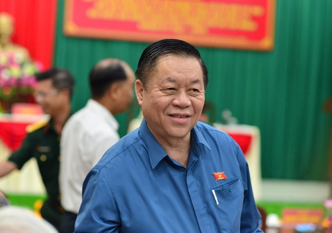 Ong Nguyen Trong Nghia duoc 100% cu tri tin nhiem ung cu DBQH