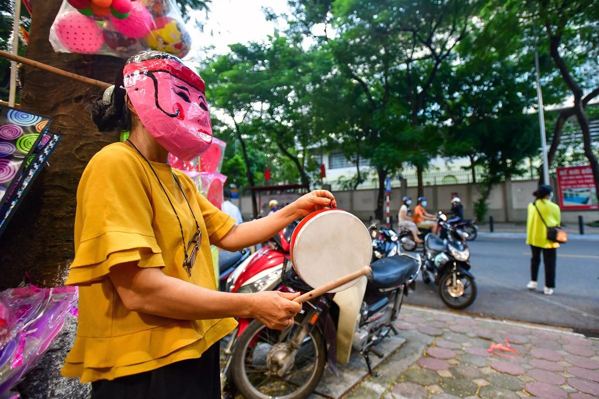 Dan Ha Noi do xo di mua do choi Trung thu bat chap COVID-19-Hinh-3