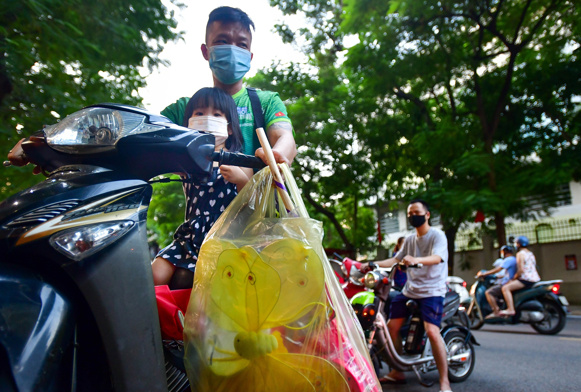 Dan Ha Noi do xo di mua do choi Trung thu bat chap COVID-19-Hinh-6