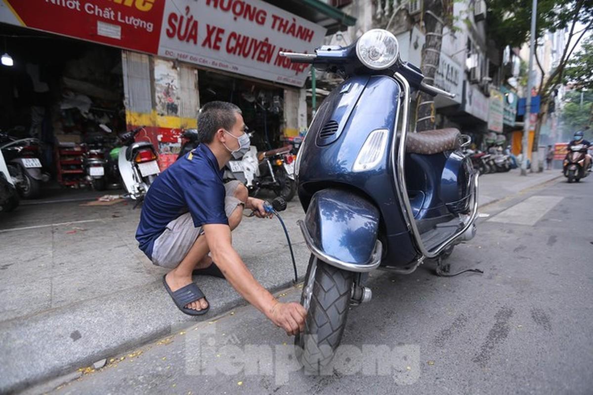 Cua hang sua chua xe may o Ha Noi tap nap khach sau 'giac ngu' dai-Hinh-11