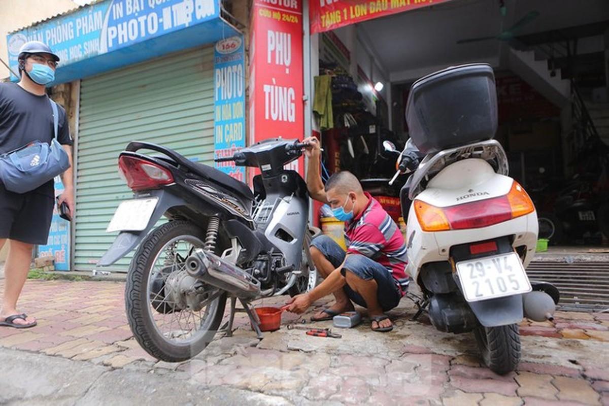 Cua hang sua chua xe may o Ha Noi tap nap khach sau 'giac ngu' dai-Hinh-2