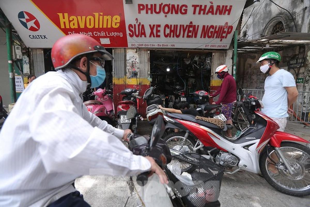 Cua hang sua chua xe may o Ha Noi tap nap khach sau 'giac ngu' dai-Hinh-3