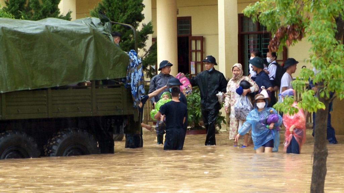 Quang Ninh: Mua lon gay ngap ung kinh hoang tai Cam Phai-Hinh-5