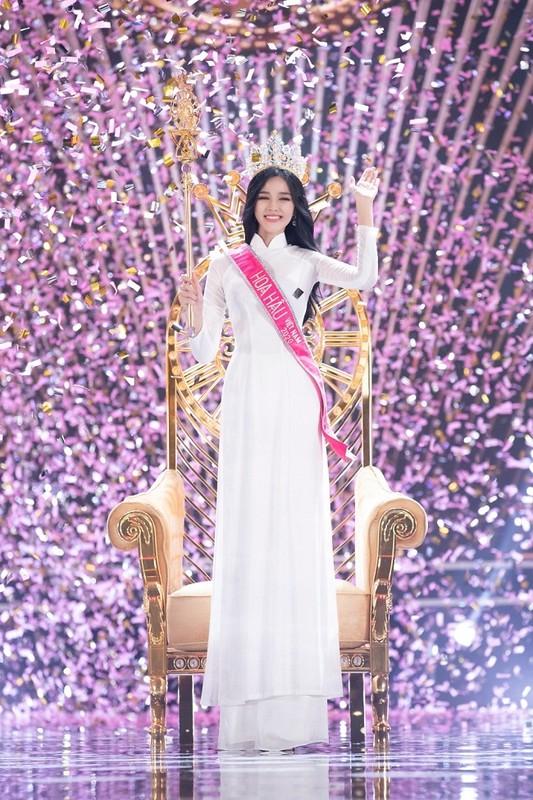 Hoa hau Viet Nam Do Thi Ha lo guong mat xuong sac khac la-Hinh-7