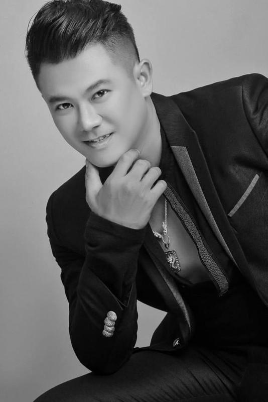 Vo khoc nghen khi thay thi hai Van Quang Long trong tang le-Hinh-9