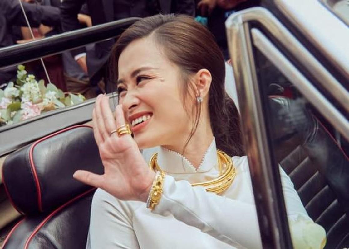 A hau Thuy An deo vang nang co van chua bang my nhan nay-Hinh-6