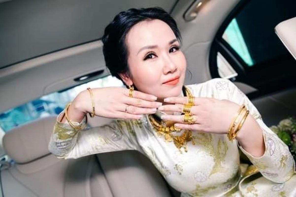 A hau Thuy An deo vang nang co van chua bang my nhan nay-Hinh-8