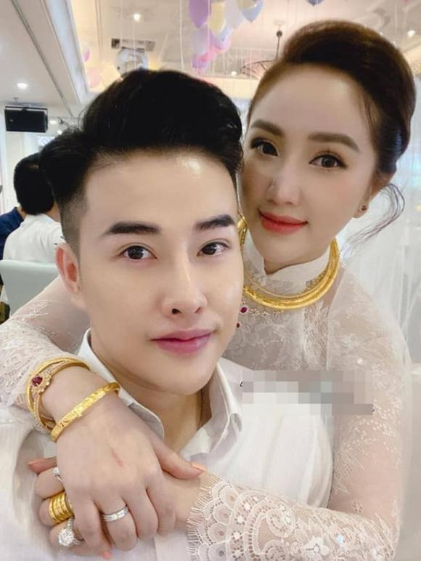 A hau Thuy An deo vang nang co van chua bang my nhan nay-Hinh-9