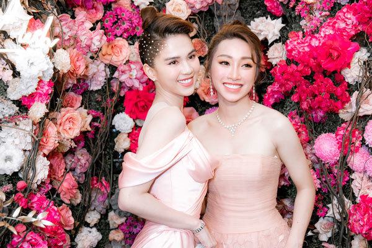 Ban gai Chi Bao mac goi cam, do sac Ngoc Trinh-Hinh-2