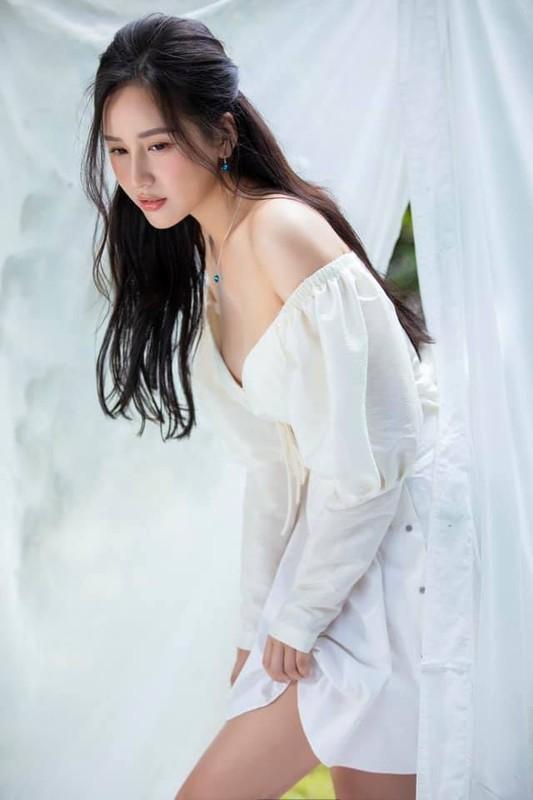 Le Quyen, Ly Nha Ky tre trung, dep man ma o tuoi U40-Hinh-9