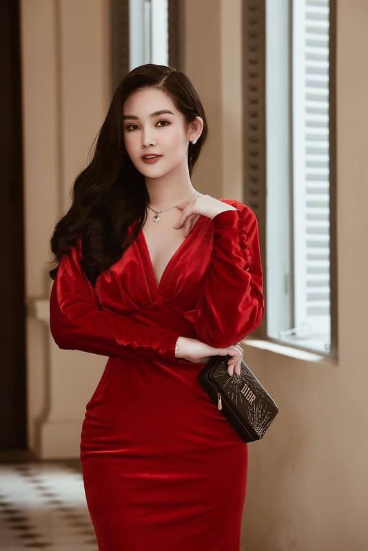Tran Thanh - Hari Won ky niem 5 nam yeu, hoi cau