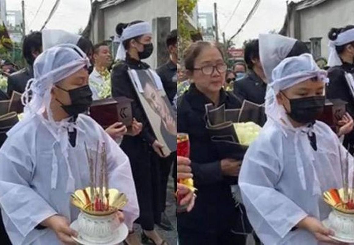 Gia dinh dau long to chuc tang le cho Van Quang Long-Hinh-6